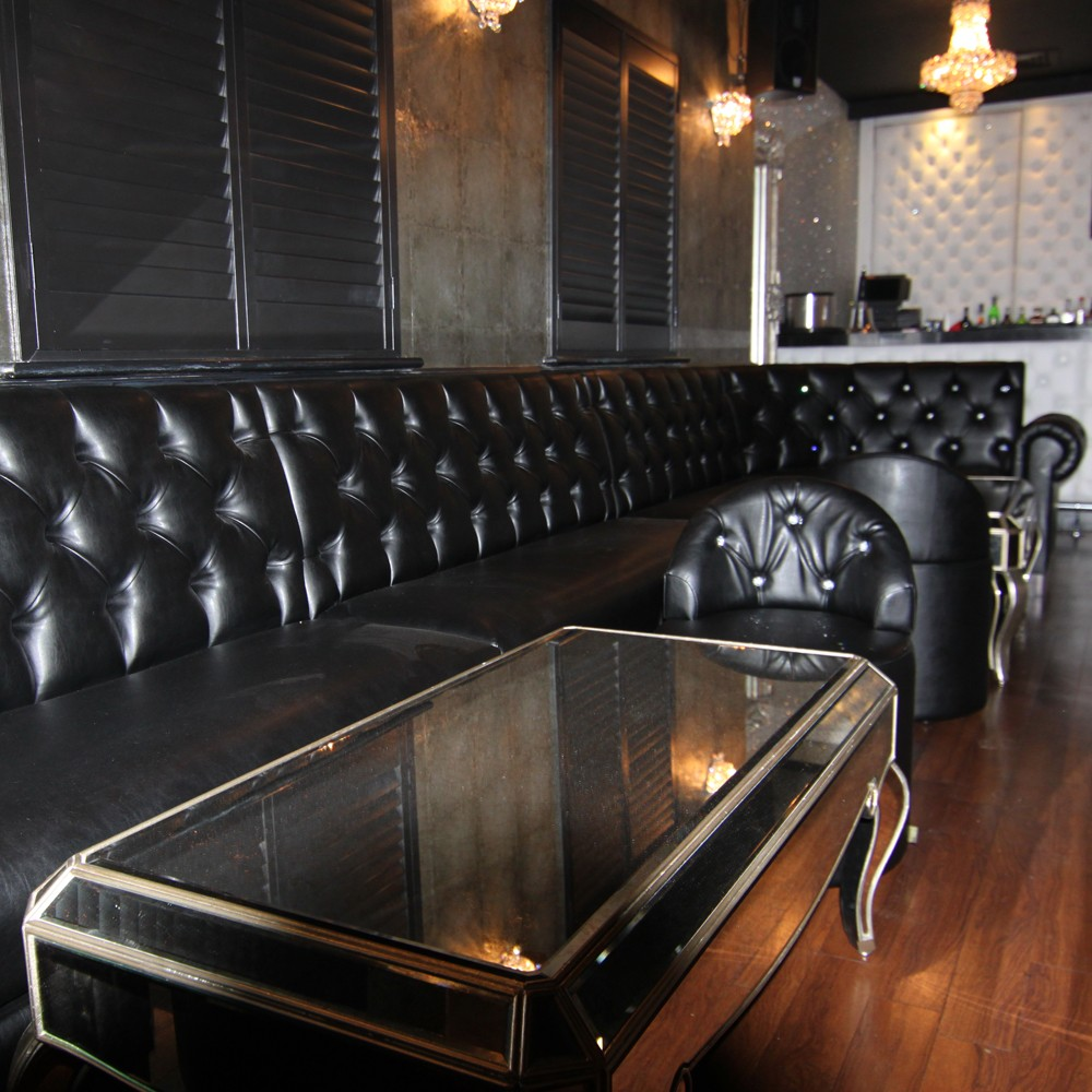 Leather Banquette Seating Store: Traditional Deep Button Back